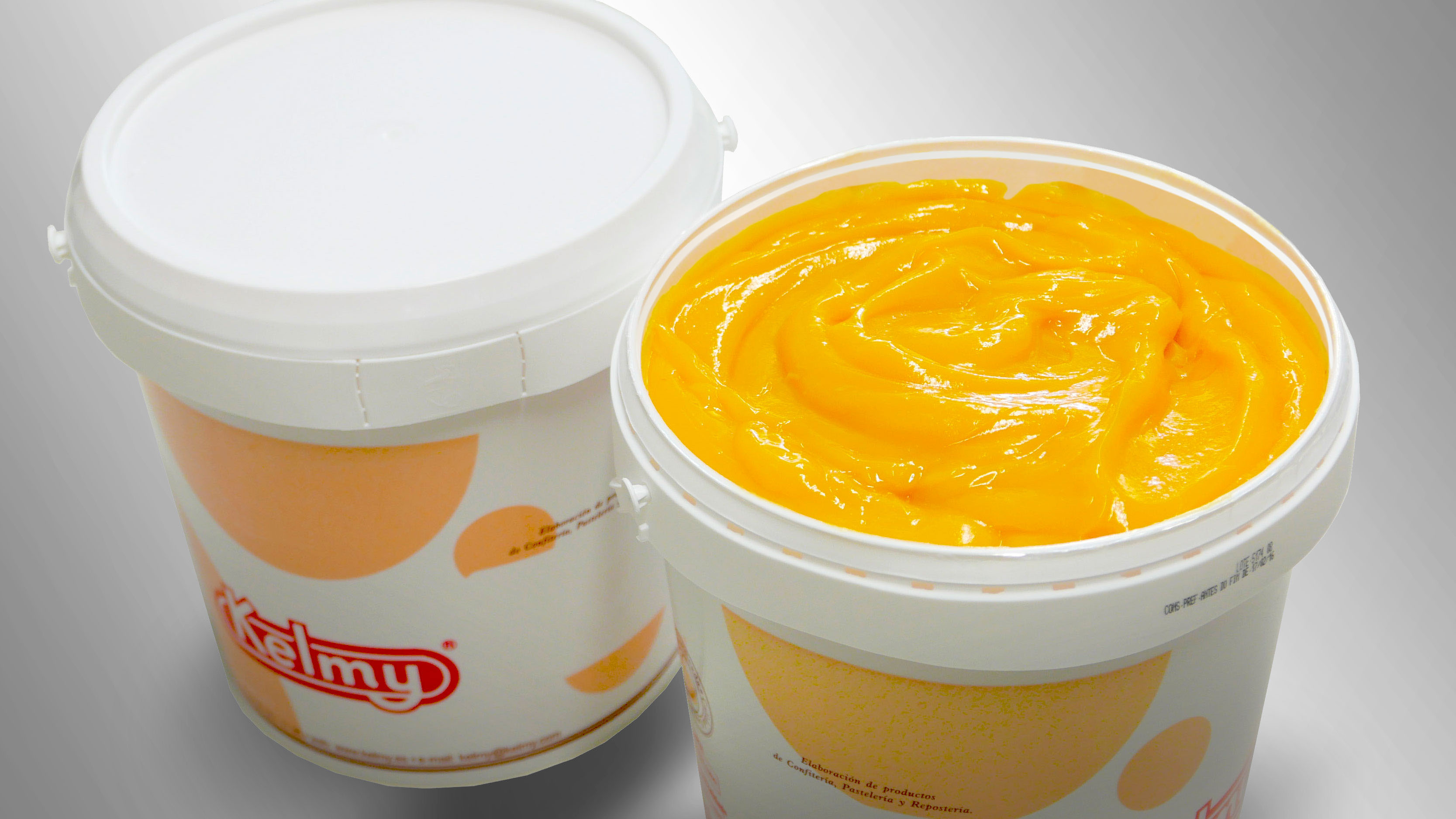 Yolk ice-cream. Made with 50% egg yolk and sugar. Used in making the creams made in ice-cream parlours as a substitute for the fresh egg used for making these creams in order to avoid the possible risks of microbiological contamination.